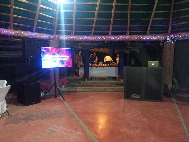 dj-para-fiestas-echoe_0025_2017-12-16-PHOTO-00004531